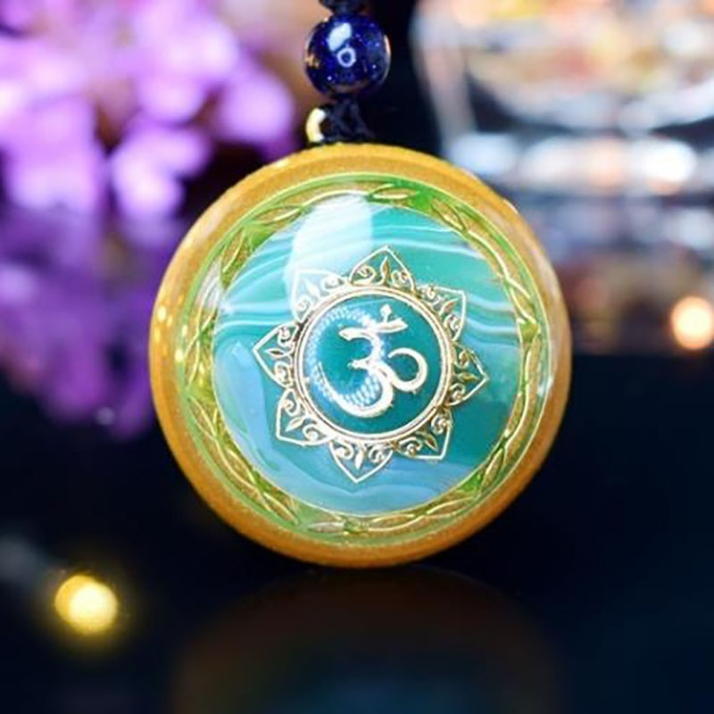 AURA REIKI Orgonite Natural Blue Crystal Chakra Stone Pendant Men Women Lovers Pendant Necklace Improve Marriage Reiki Jewelry in Pendants from Jewelry Accessories