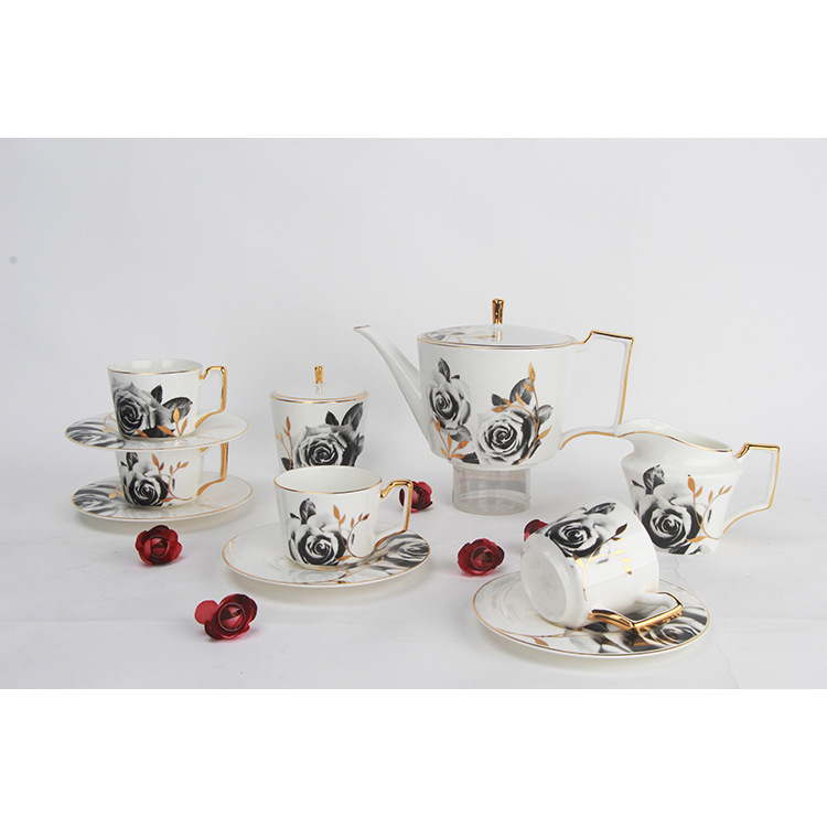 Ensemble de cafetière en porcelaine osseuse théière en céramique Rose noire Trace A Design en or tasse latérale soucoupe après-midi salon de thé