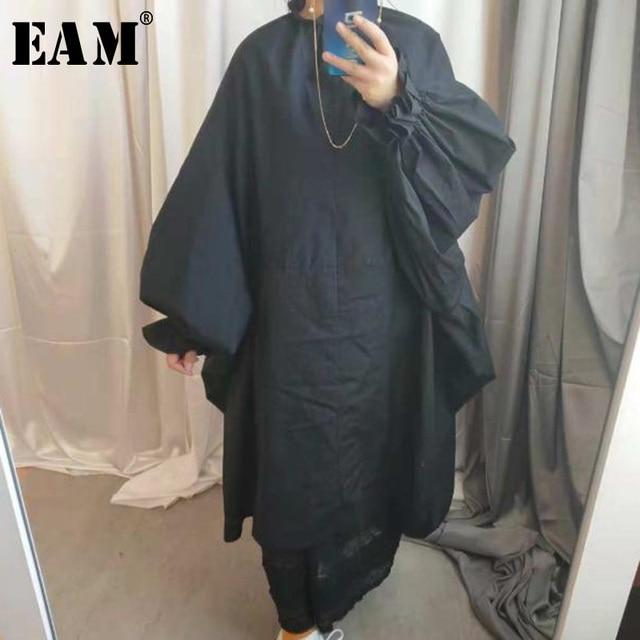 [Eam] 2020春夏の女性のスタイリッシュな新パープルブラックカラーロングパフスリーブスタンドカラーロングルーズビッグサイズドレスLG03