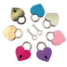 Forma de corazón Mini cerradura Vintage antiguo con cerradura de llave estilo antiguo pareja amor bloqueo