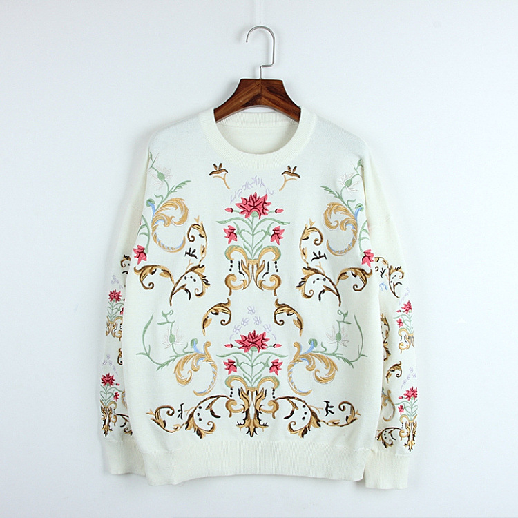 2018 Women Knit Flower Embroidery Sweater Winter White Long Sleeve Boho Hippie Chic Style Fashion Pullover Sweater