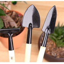 DWZ 3pcs Mini Portable Gardening Tool Metal Head Shovel Rake Spade Plant Garden Soil Raising Flowers Wooden Handle Set