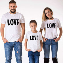 Family Matching Clothing Dad and Mom Girl Son T Shirt Matching Shirts Sumemr Short Sleeve O-neck Family Clothes Love Tshirts(China)
