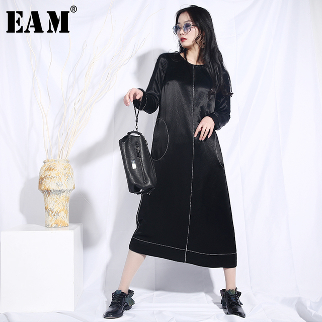 [EAM] 2019 New Spring Summer Round Neck Long Sleeve Black Loose Line Split Joint Pocket Loose Dress Women Fashion Tide JO605