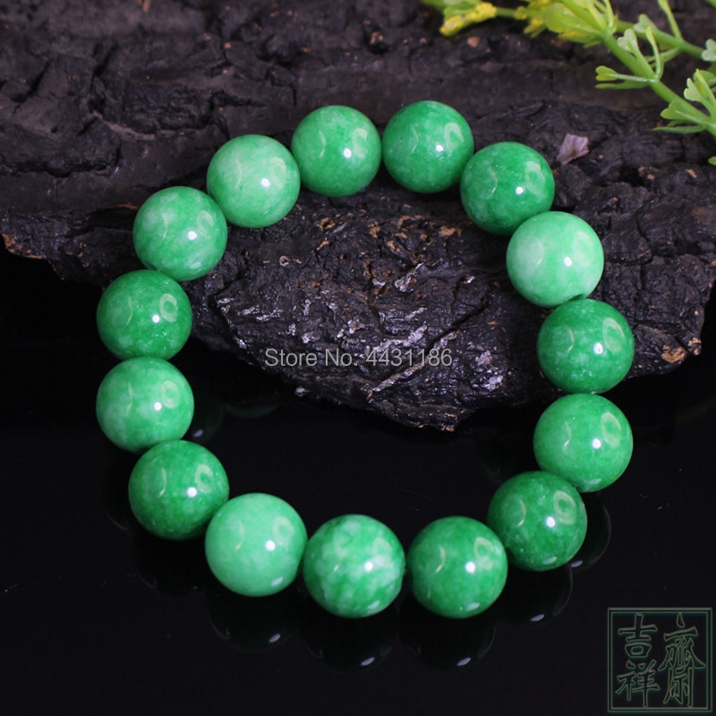 Exquisite Chinese natural green jade handmade column beads necklace