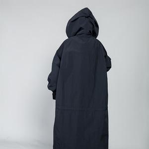 Image 4 - [Eem] 2020 yeni bahar İpli tam kollu kapşonlu yaka gevşek fermuar ince büyük boy uzun ceket kadın ceket moda gelgit OB113