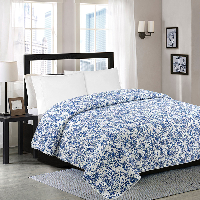 Blue White Porcelain Printed Stitching Cotton Quilt Queen Size Thin Bed Cover Blanket Air Condition Comforter 200x230cmBlue White Porcelain Printed Stitching Cotton Quilt Queen Size Thin Bed Cover Blanket Air Condition Comforter 200x230cm
