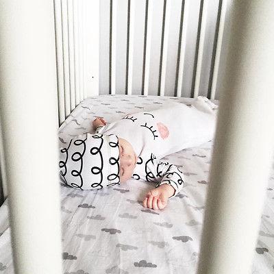 2019 2PCS Newborn Baby Clothes Set Long Sleeve Sleepy Pajamas Bedgown + Hat Set Baby Unisex Night Robe