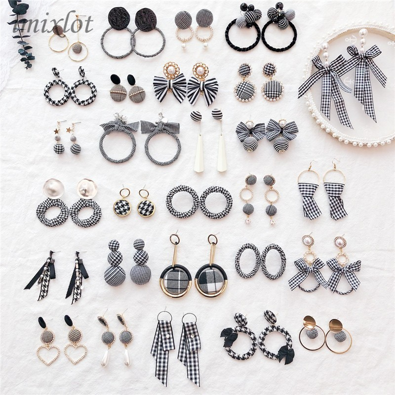 Long-Earrings Jewelry Cloth Velvet-Fabric Plaid Round Elegant White Black Women For Distorted