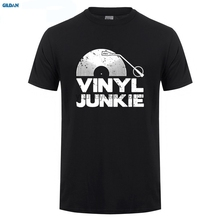 GILDAN  Vinyl Junkie T-SHIRT Tee Music Dj Record Funny Birthday Gift Present for Him Printed T Shirt Short Sleeve Men