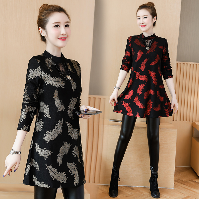 Winter Basic Mini Dresses Women 2019 New Year Date Wear Red Plus Size  Clothes 5XL 4XL Vintage Printed Velvet Tunic Dress 11225-in Dresses from  Women s ... febacd257c82