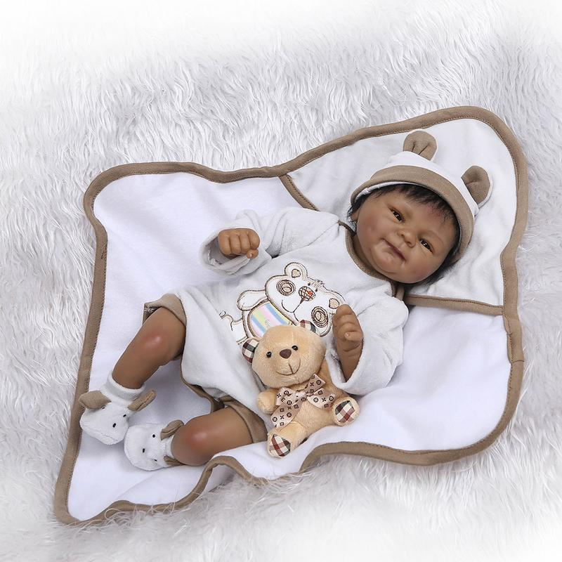 Lovely Simulated Soft Silicone Reborn Dolls Baby Realistic Doll Reborn Doll With Clothing, Hat, Pacifier, Plush Toy Set Gift