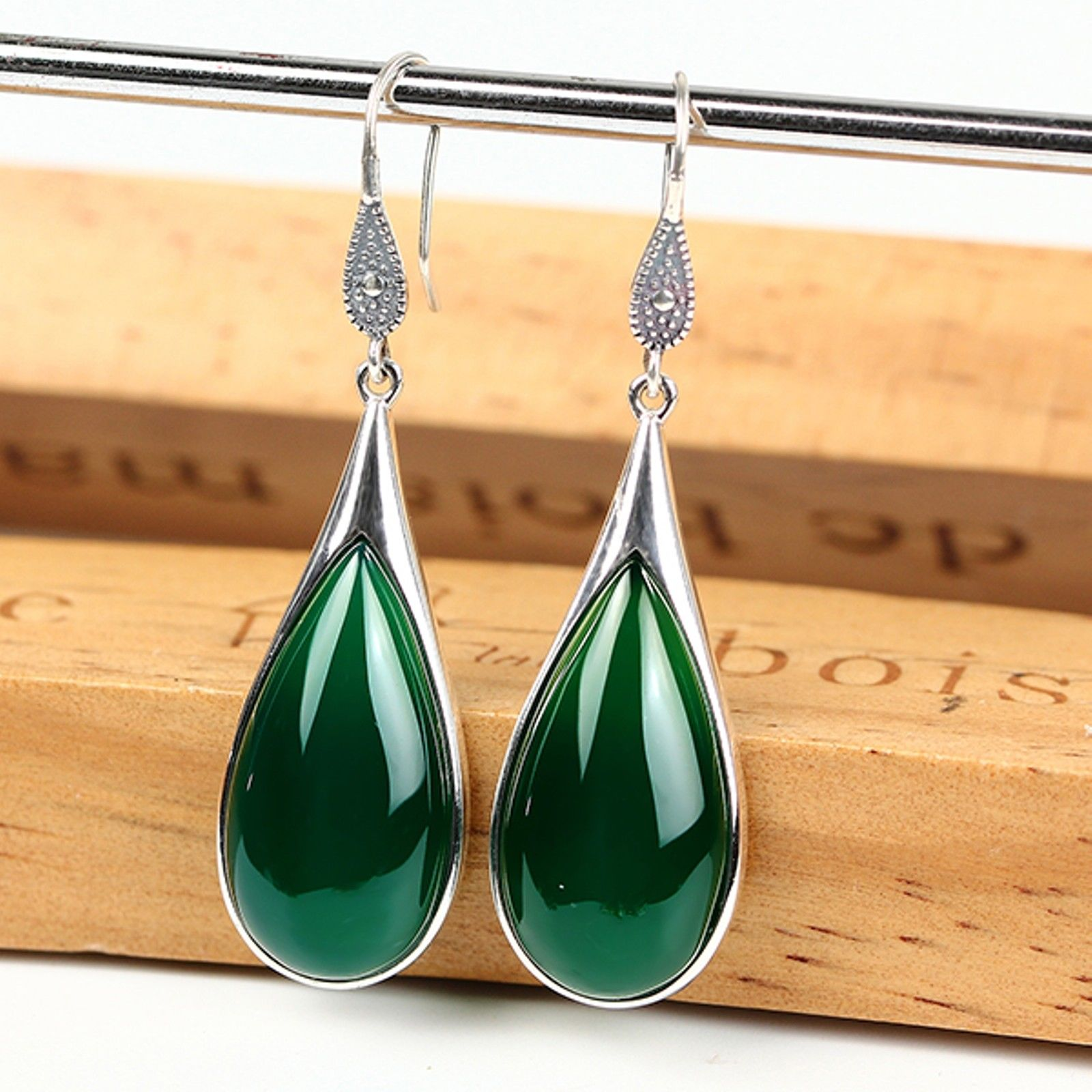 New Vintage Sterling S925 Silver Green Agate Lucky Drop Dangle Earrings