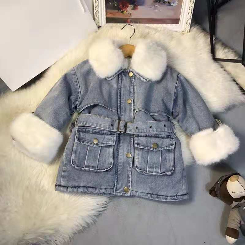High quality plus velvet thick denim jacket star with the paragraph 2018 explosion models very temperament models size:90-140CMHigh quality plus velvet thick denim jacket star with the paragraph 2018 explosion models very temperament models size:90-140CM