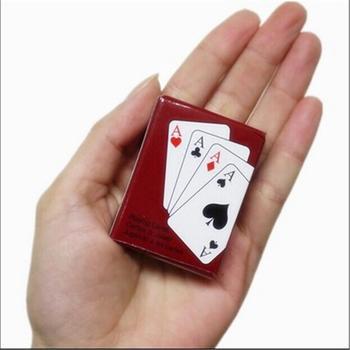 Texas Hold #8217 em Mini śliczne pokera do dekoracji domu karty do pokera gry kreatywny prezent dla dzieci do wspinaczki na świeżym powietrzu akcesoria podróżne tanie i dobre opinie Solitaire Playing Cards Inne buławy 8 lat Normalne 0-30 minut Pośrednie Nieograniczona coated paper Mini Poker Support