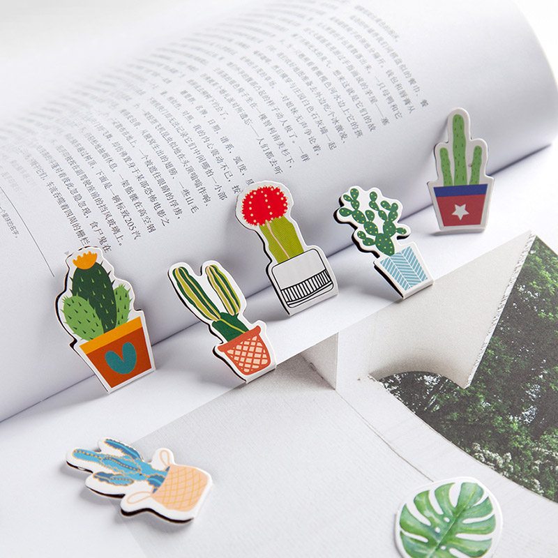 2Pcs Cute Cactus Bookmarks Kawaii Bookmarks Novelty Magnetic Book Markers For Girls Gifts School Office Supplies Stationery