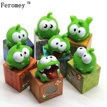 1Pcs Seil Frosch Vinyl Gummi Android Spiele Puppe Cut Die Seil OM NOM Süßigkeit Schluckte Monster Spielzeug Figur Baby BB Lärm Spielzeug
