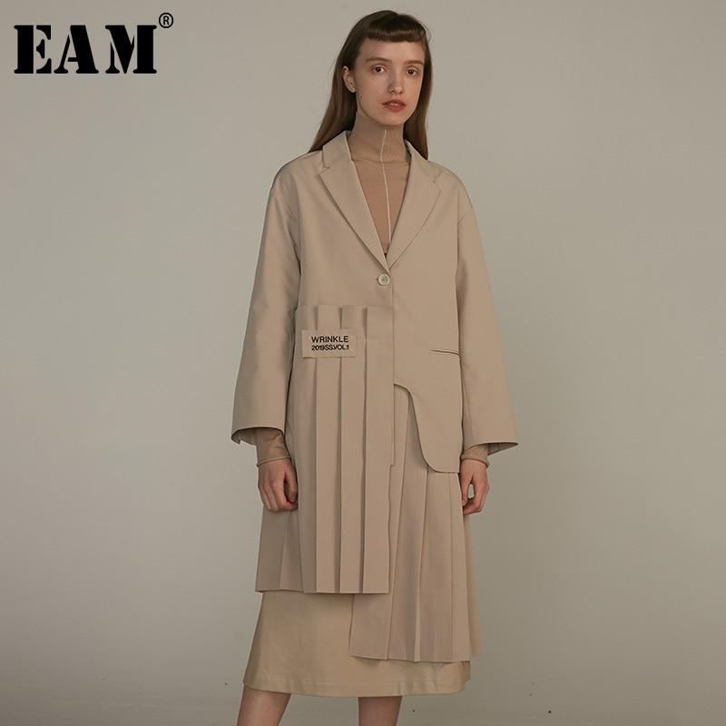 [EAM] 2019 New Autumn Winter Lapel Long Sleeve Khaki Irregular Hem Pleated Split Joint Windbreaker Women Trench Fashion JQ483