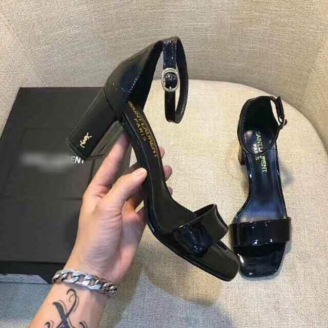 European Station Summer New Leather Womens Shoes Patent Leather Fish Mouth Sandals Female Thick With A Word With High Heels TidEuropean Station Summer New Leather Womens Shoes Patent Leather Fish Mouth Sandals Female Thick With A Word With High Heels Tid