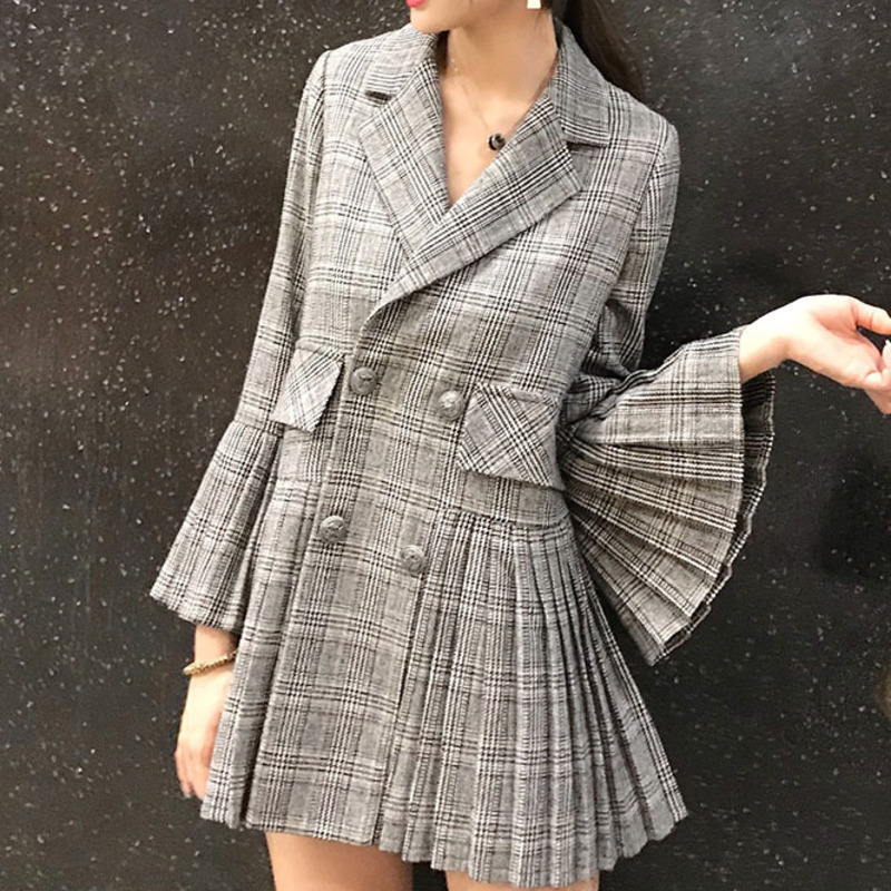 DEAT Fashion New 2019 Plaid Double breasted Women s Jacket Casual Flare Sleeve Trendy Hot Sale