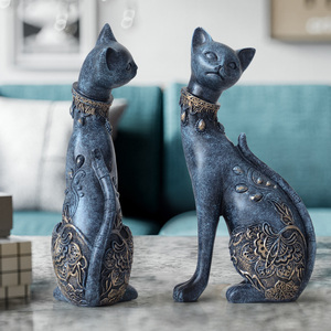 Image 4 - Figurine Cat Decorative Resin statue for home decorations European Creative wedding gift animal Figurine home decor sculpture