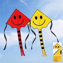 New Arrival 80*60cm Outdoor Smiley Flying Kite with 30M Handle Line Kites For Kids