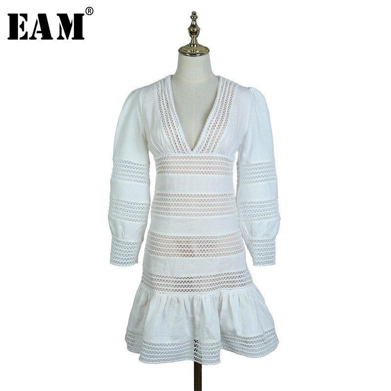 [EAM] 2019 printemps été femme blanc manches longues col en V manches longues lanterne creux taille haute épissé fleur dentelle robe LE702