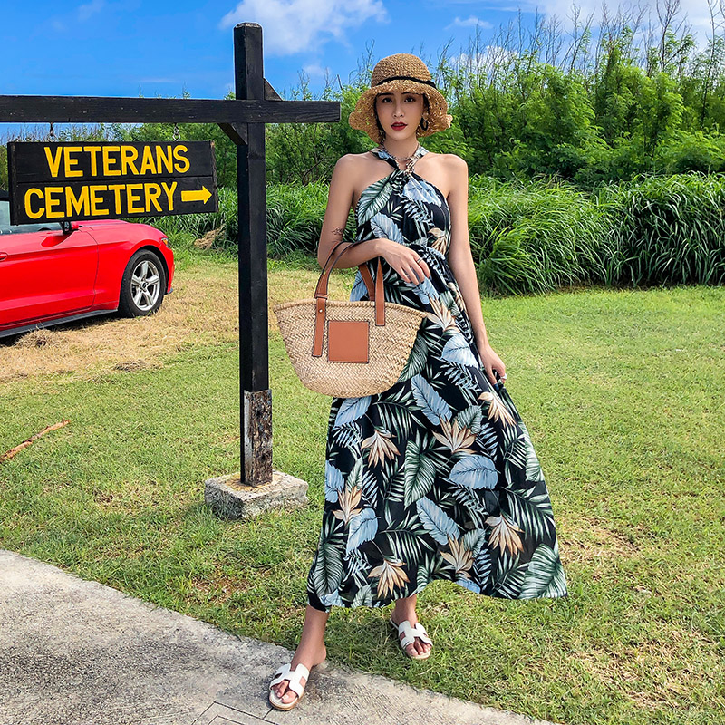 Summer new tropical printed hang neck show thin dress strapless dress Thailand holiday beach dress in Dresses from Women 39 s Clothing