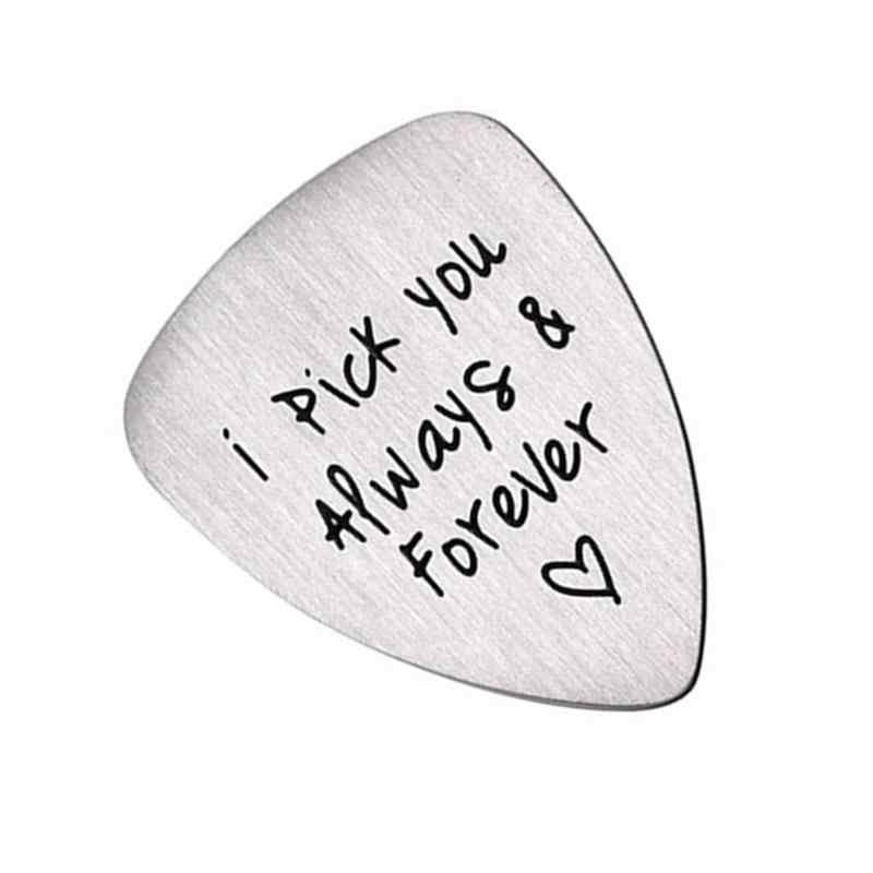 1 шт. гитара палочки s титановая сталь Профессиональные Выгравированные буквы кулон в виде медиатора укулеле выбрать музыкальные аксессуары