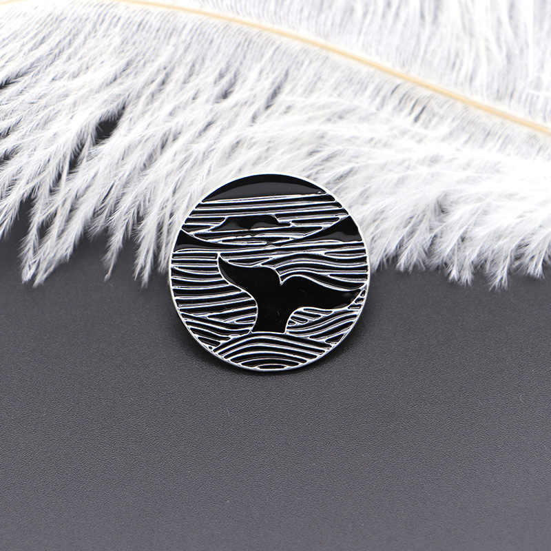 Original Black White Brooches Ocean Whale Wave Enamel Pin for Kids Lapel Pin Hat Bag Pins Denim Jacket Women Brooch Badge Q1081
