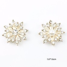 Pulaqi 10pcs/lot 1.6x1.6cm Beautiful Silver Plated Faux Pearl Clear Glass Rhinestone Buttons Crystal Beads Appliques Decor H