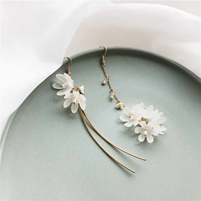 2019 new design brand flower ear hook tassel earrings simple for women.