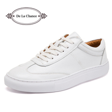 Prawdziwej skóry damskie buty 2018 wiosna jesień białe trampki kobiet wulkanizacji buty platformy kobiet buty w stylu casual Tenis Feminino tanie tanio De La Chance Skóra bydlęca Lace-up Mieszkanie (≤1cm) Płytkie CYY028 Wiosna jesień Pasuje prawda na wymiar weź swój normalny rozmiar
