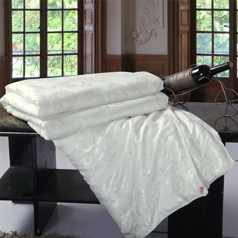 100% ผ้าพันคอผ้าไหม / ผ้าห่ม / ผ้าห่ม / ผ้านวมสำหรับฤดูร้อนและฤดูหนาวพระมหากษัตริย์พระราชินีคู่ขนาดเตียงที่ทำด้วยมือสีขาว / ชมพูสีจัดส่งฟรี