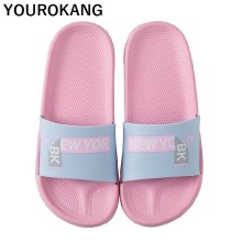 купить Summer Women Home Slippers Non-slip Soft Bathroom Flip Flops Outdoor Unisex Beach Shoes Message New Arrival 2019 Men Sandals по цене 527.31 рублей