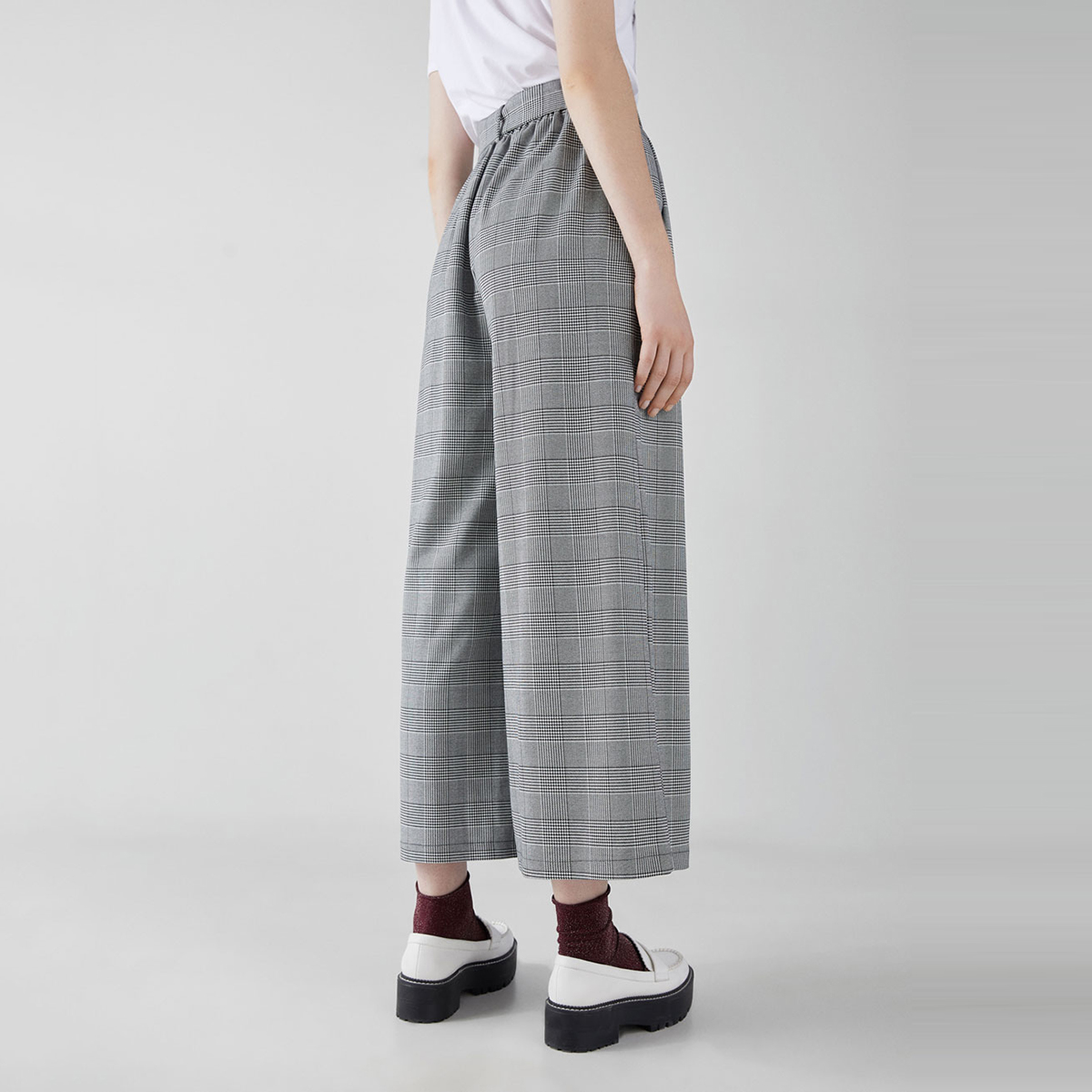 HDY Haoduoyi High Waist Slim Waistband Gray PlaidNine Points Pleated WideTube Pants in Pants amp Capris from Women 39 s Clothing