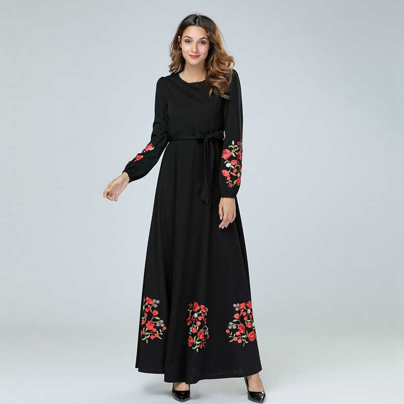 Femmes robe élégante musulmane longue robe brodée fleurs noir Maxi robes à manches longues grande balançoire robe de soirée