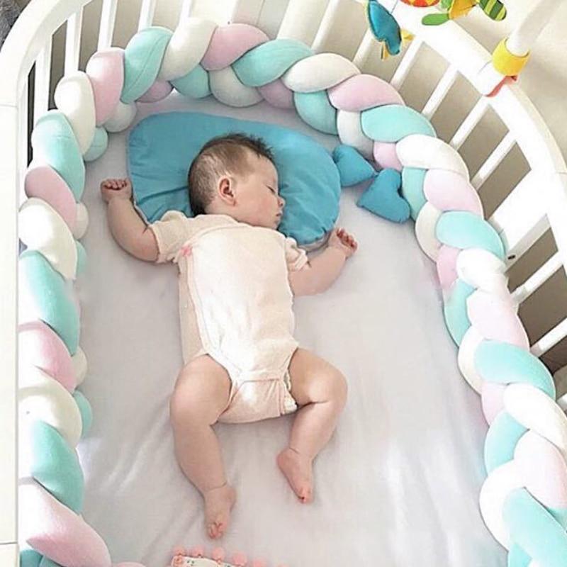 100% Waar Gevlochten Geknoopt Kussen Ronde Kussen Zachte Baby Wieg Kussens Kids Bed Bumper Protector Kussens Babykamer Decoratie Aantrekkelijke Mode