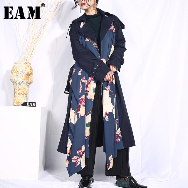 [EAM] 2019 New Spring Lapel Long Sleeve Dark Blue Loose Long Pattern Printed Big Size Windbreaker Women Trench Fashion JO554