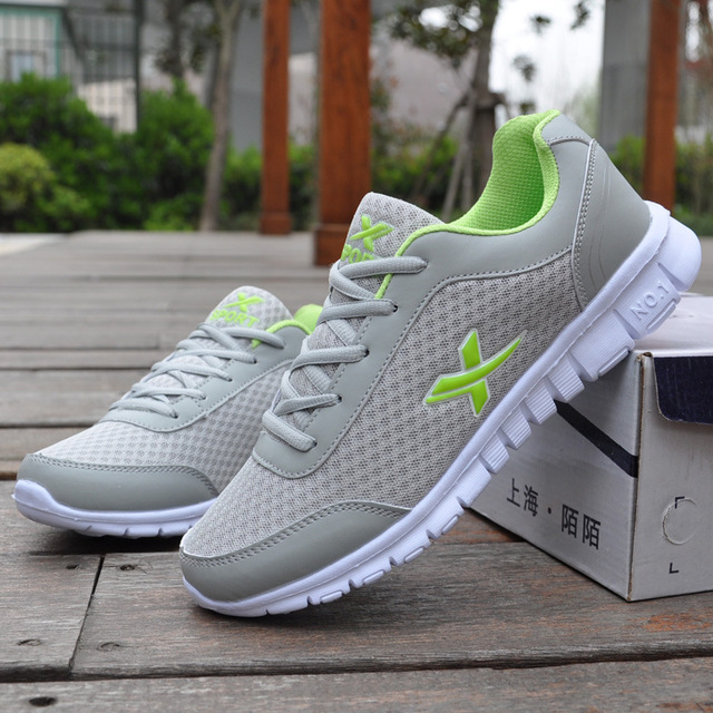 Fashion Men's Casual Shoes 2019 Spring Summer British Style Breathable Lightweight Men's Shoes Platform Sneakers Men Big Size