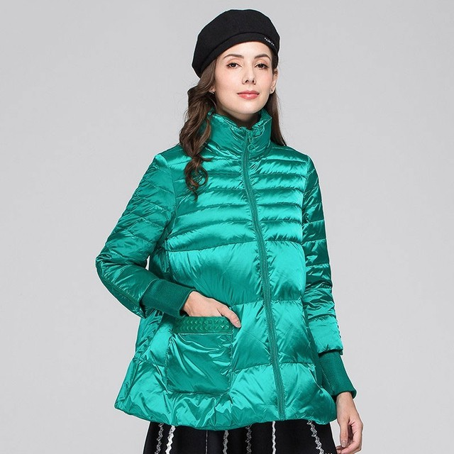Winter Green Cloak Down Jacket Female 2019 New Stand Collar Fashion Warm Gray Duck Feather Light And Thin Basic Coat Women HJ124
