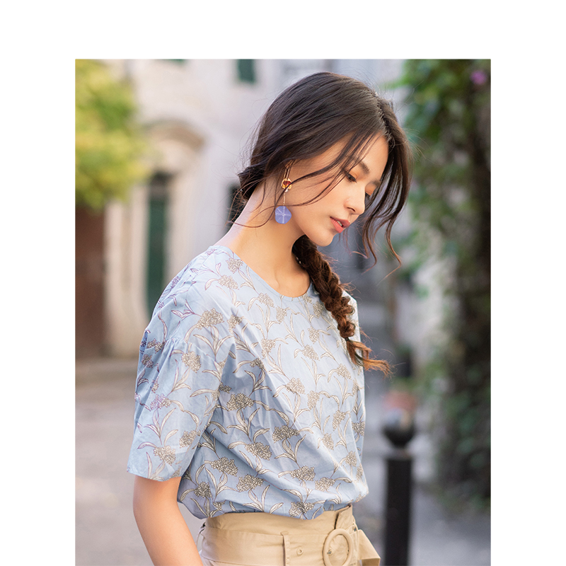 INMAN 2019 Summer New Arrival O-neck Literary Floral Retro Holiday Style Slim Short Sleeves Women Blouse