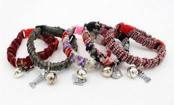 5106d1ff7f1b Collar de gato de tela estilo japonés plisado elegante ajustable Retro  campanas Collar para cachorro gatitos perros Accesorios