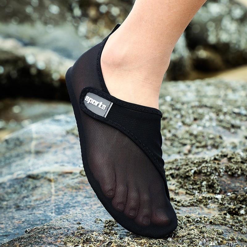 Seaside Beach Shoes Lightweight Walking Water Shoes Breathable Mesh Outdoor Aqua Women Quick Dry Sneakers Men Swimming Hot 2019
