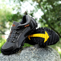 2018 New Designer Outdoor Non slip Canvas Men Hiking Shoes chaussure Homme Sneakers Rubber Male Camping Trekking Mountain Shoes