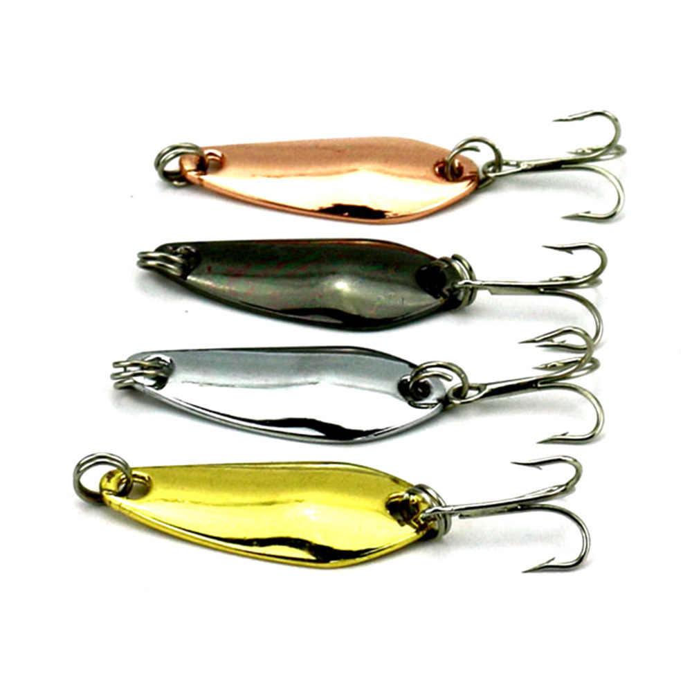 1 adet 3.4 cm 3.74g altın gümüş pullu ile tüy balıkçılık Lures kaşık yem sert yemler bas Pike olta takımı