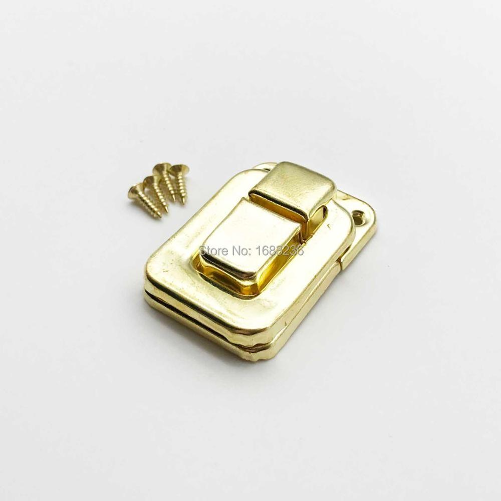 tono plateado caja de maleta estilo etro joyero decorativo cierre con tornillos Pestillo de pestillo Sourcingmap