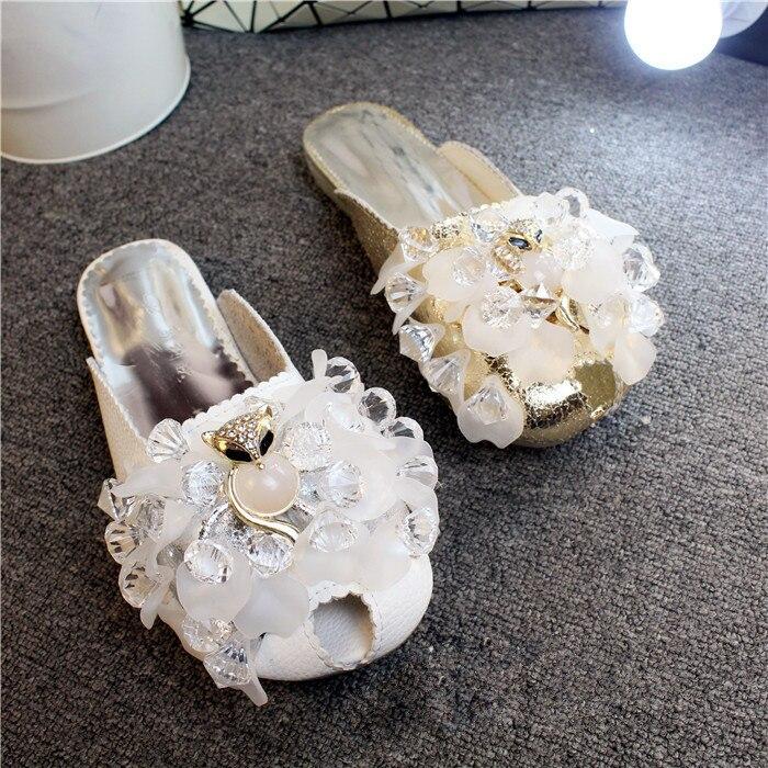 2018 chaussures d'été chaud femme pantoufles appartements renard chaîne de cristal perle conception diapositives en dehors de la mode Tipe chaussures paresseux femme pantoufles