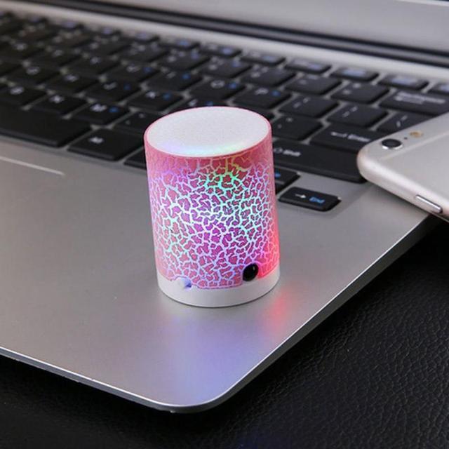 Wireless Mini Speaker Música Soundbox Bluetooth Alto-falantes Sem Fio do DIODO EMISSOR de Luz LED Portátil Soundbar Áudio Música TF Speaker FM