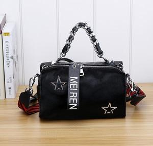 Image 2 - Женские кожаные сумки, новая сумка ведро из конского волоса с бриллиантами, меховая сумка на плечо с цепочкой, зимняя винтажная сумка мессенджер из Бостона